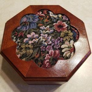 New wooden jewerly box